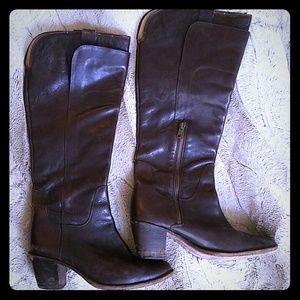 Frye 7.5 high leather boots dark brown medium heel